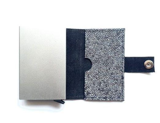 Cardholder Stone 4-1